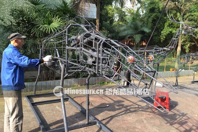 仿真动物-机械骨架被制造
