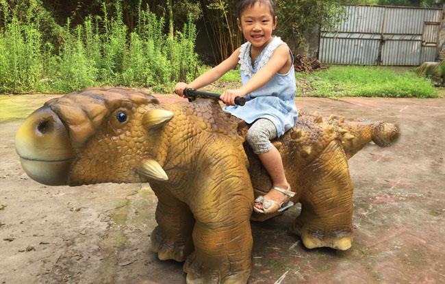 仿真恐龙玩具车-甲龙