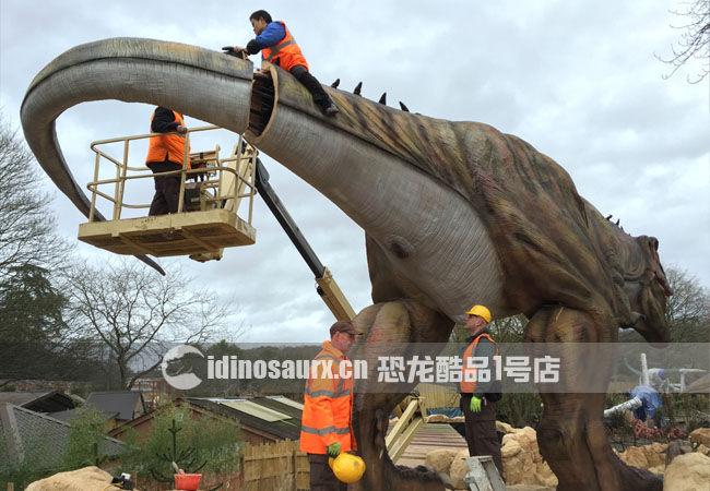如何安装大型恐龙教学