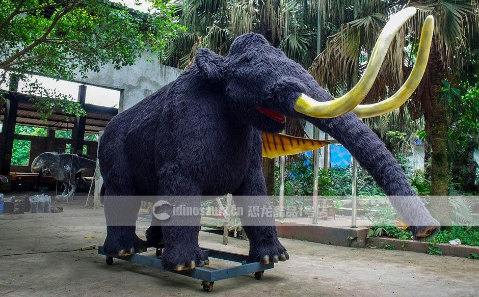 仿真巨型动物模型