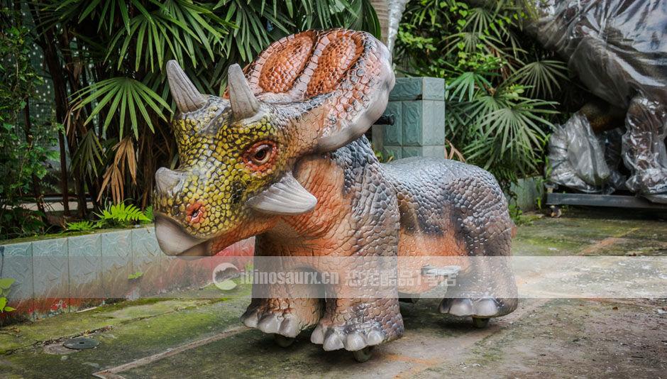 仿真恐龙跑车启动模式