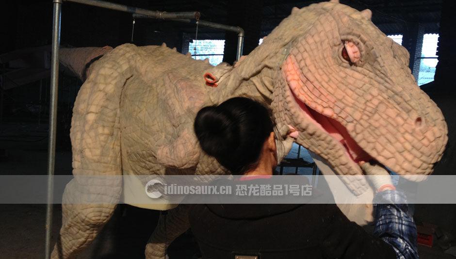 仿真恐龙皮套生产商