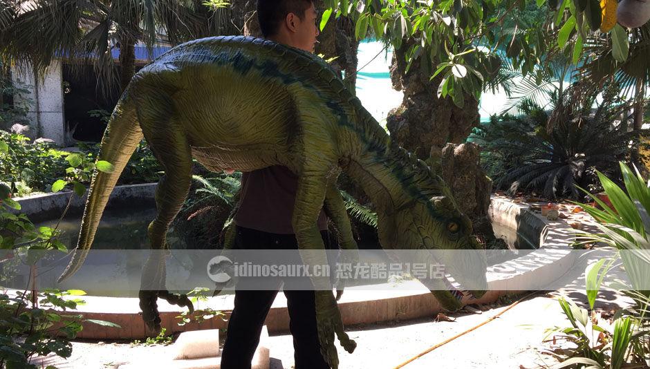 肩扛仿真恐龙木偶