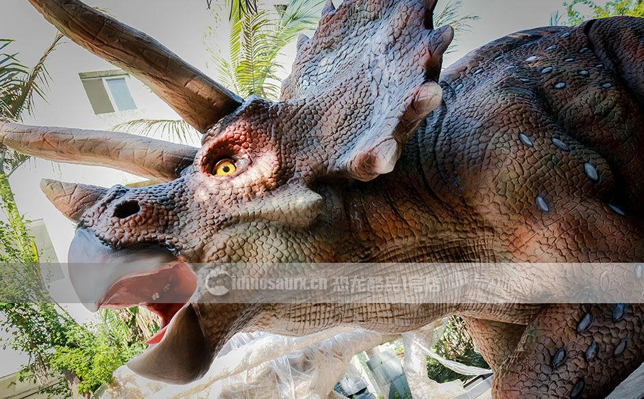 栩栩如生的仿真恐龙
