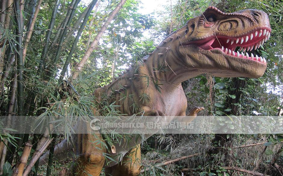 复原大型恐龙标本